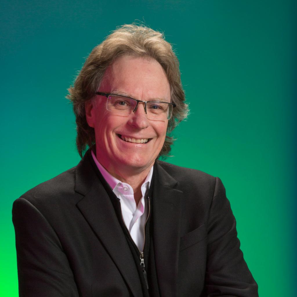 Visual Arts Associate Professor Derek Knight.