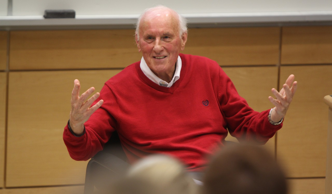 Legendary television producer Ralph Mellanby spoke to a Sport and Media class Thursday.