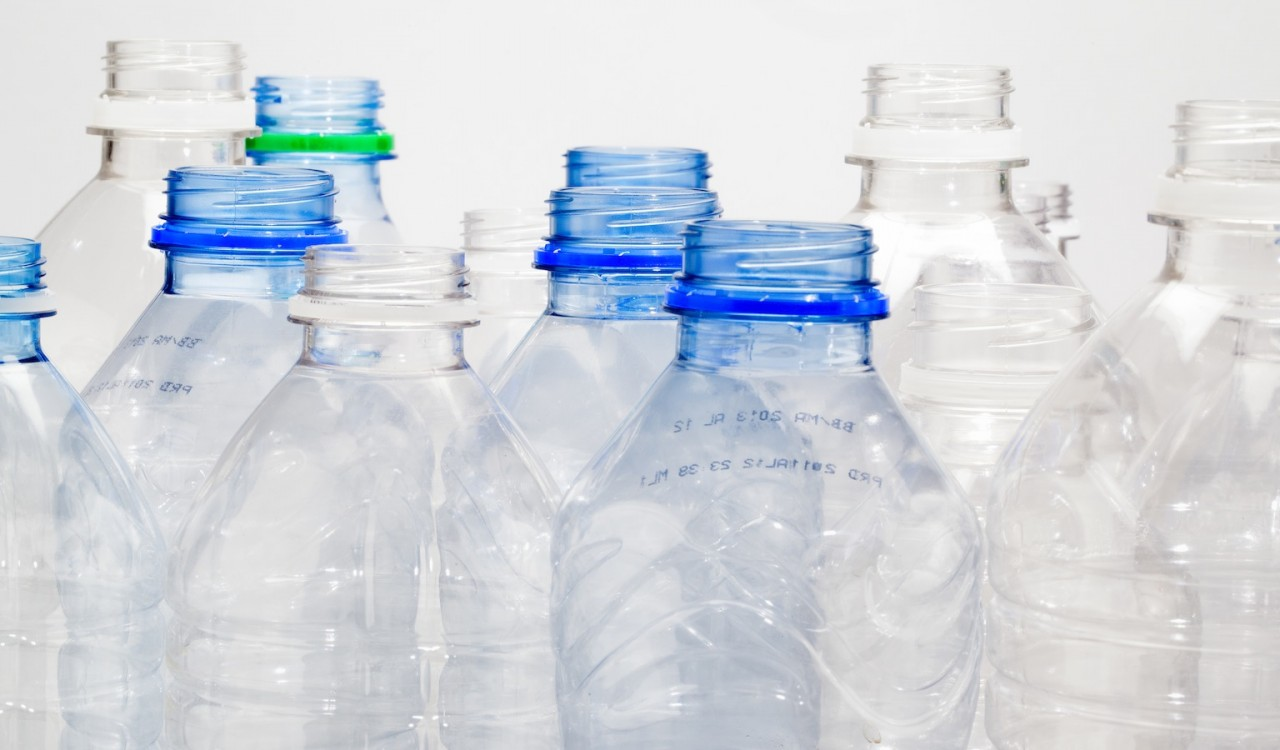 plastics plastic and water bottles Plastic bottles the cary company offers a variety of individually priced and wholesale plastic bottles, from boston rounds, honey bear bottles, spice jars, drink bottles, and many more sizes range from small 1/2 oz bottles to larger 25 gallon jugs.