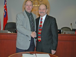Niagara-on-the-Lake Lord Mayor Pat Darte and Brock University President Jack Lightstone signed a memorandum of understanding this week to create the Brock-Niagara Forum for Advanced Research and Leadership.