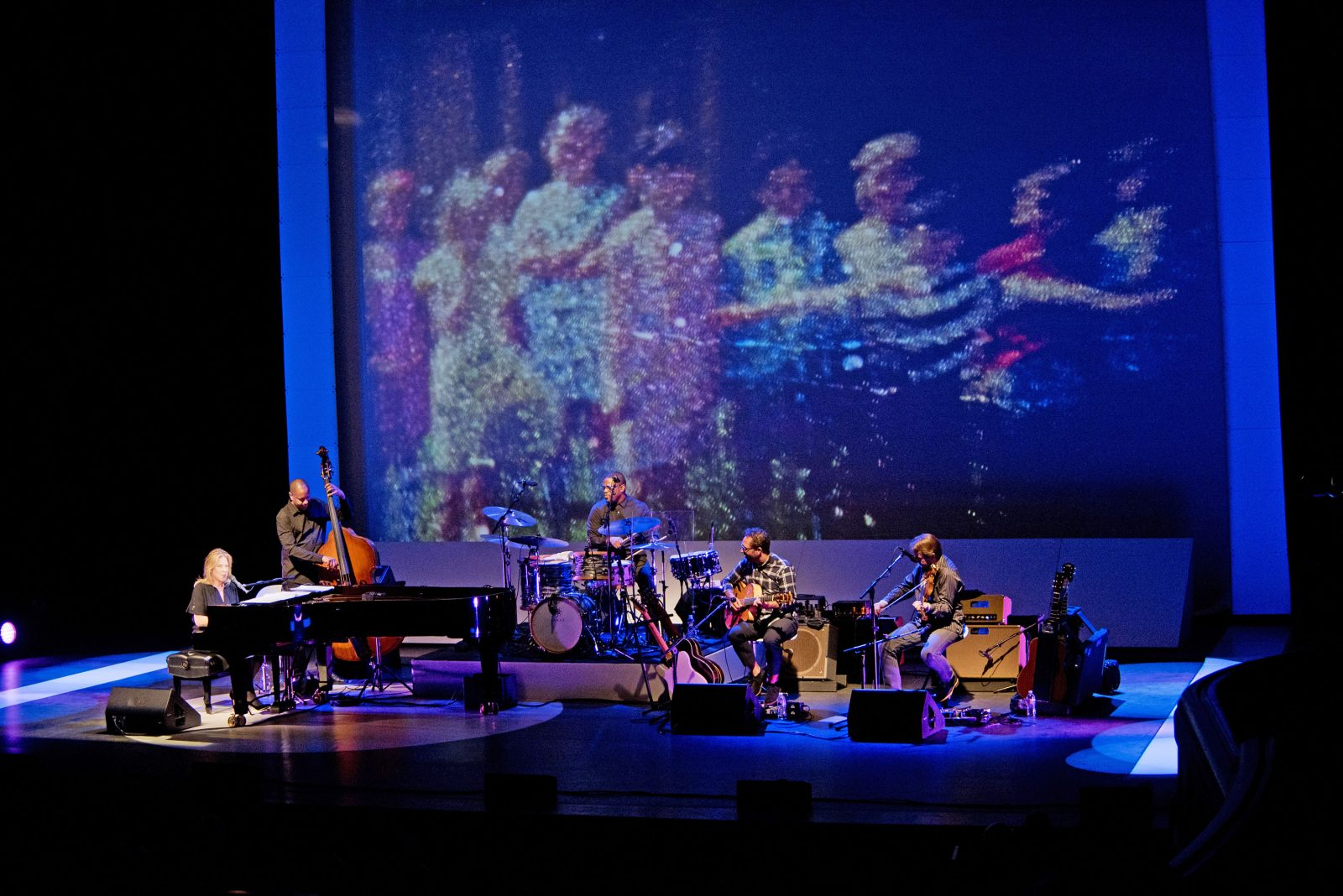 Amy Friend's work featured on Diana Krall's tour