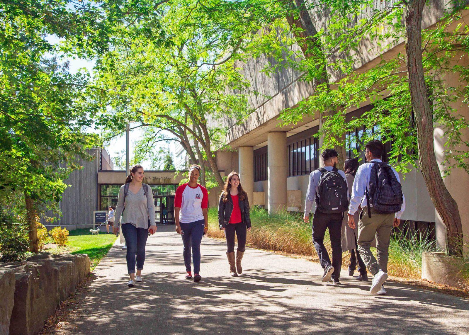Brock students walking on campus